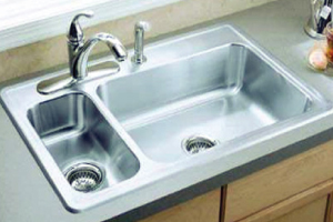 Complete Your Kitchen Remodel Project With the Right Counters and Sink